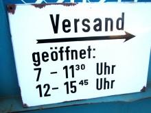 Emaille Schild Versand 59 x 42 cm (C19401)